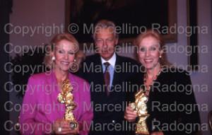 Helen e Alice kessler con l'ambasciatore dieter kastrup img612