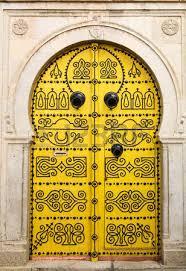 orta tunisina giallo oro png